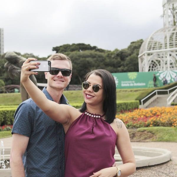 Speed Dating em Curitiba 19-letni mężczyzna spotyka 25-letnią kobietę